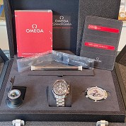 omega modern discontinued 04 2018 speedmaster chronograph moon watch ref 31130423001005 full set 6